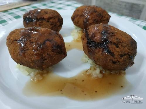 croquetas de rabo de toro con pure de patatas