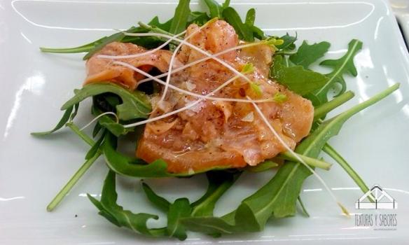 carpaccio de salmon marinado
